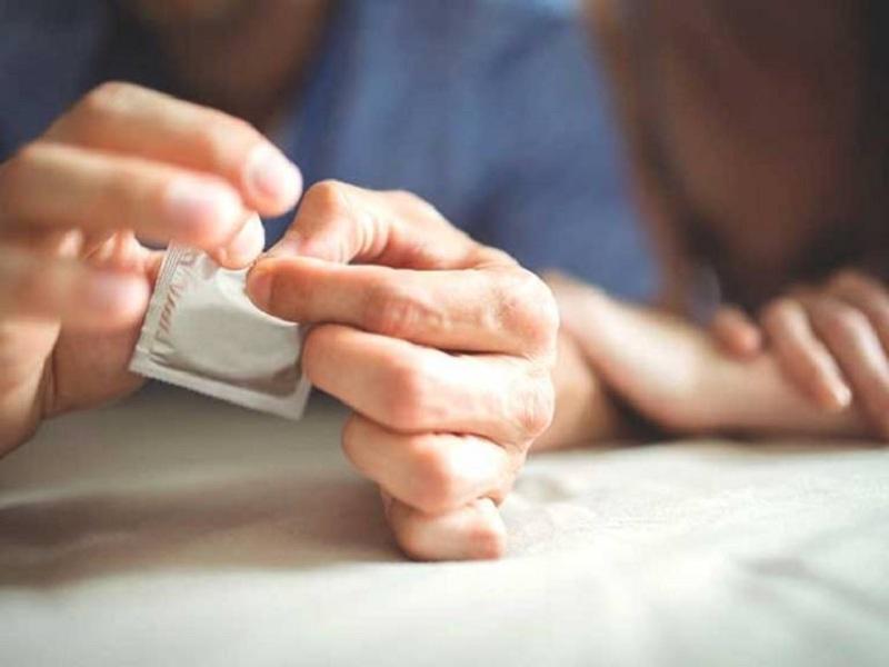 Sử dụng bao cao su khi quan hệ tránh được những bệnh truyền nhiễm nguy hiểm