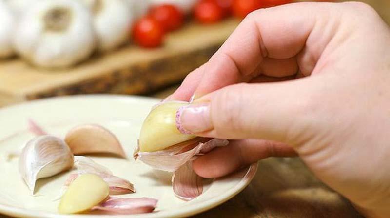 Điều trị nấm candida tại nhà đơn giản bằng tỏi